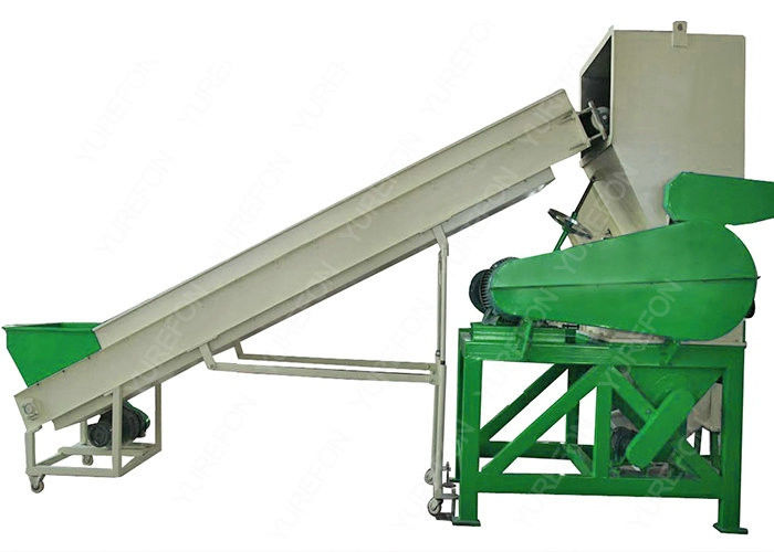 Post Consumer HDPE PET Plastic Bottle Crushing Machine With V Type Single Shaft